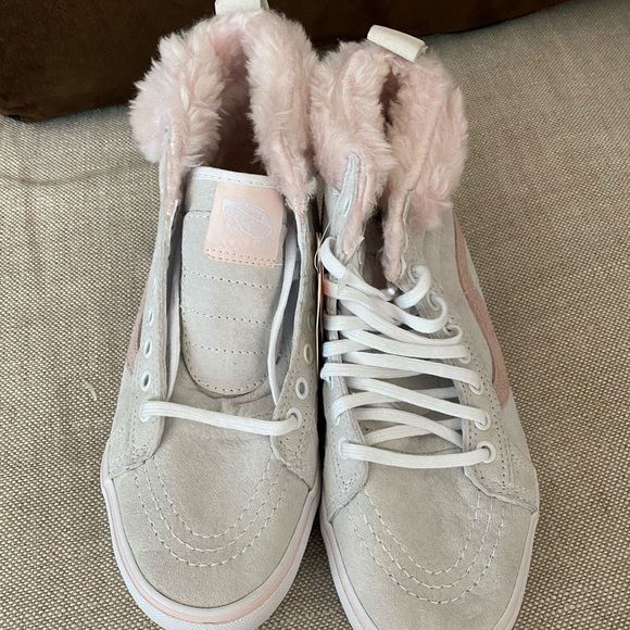 Vans Shoes   Nwt High Top With Pink Fur